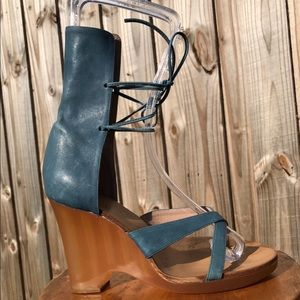 Chloe Blue Leather Strappy Wedge Heels Size 6